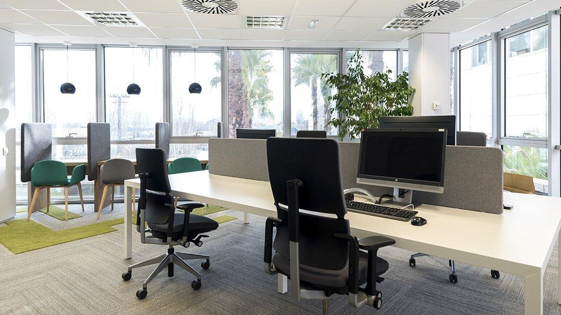 Las nuevas oficinas de almirall en barcelona for Oficinas de fecsa endesa en barcelona